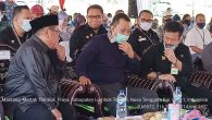 Menteri Pertanian RI Syahrul Yasin Limpo bersama Gubernur NTB Zulkieflimansyah dan Bupati Lombok Tengah Moh.Suhaili FT Menteri Pertanian melakukan Panen Raya Padi dan Menyerahkan bantuan untuk NTB sebesar 120 Milyar